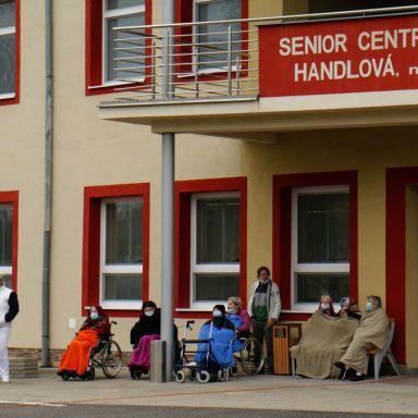 Senior centrum navštívil