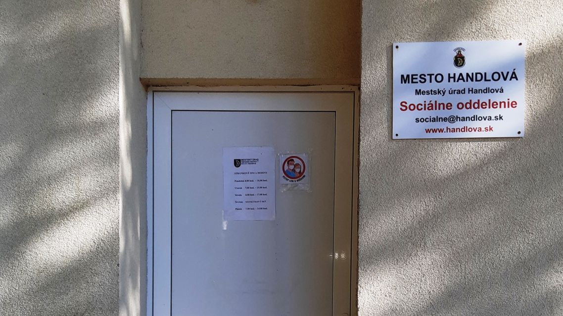 Sociálne oddelenie kontaktujte telefonicky. Je bez prívodu el. energie